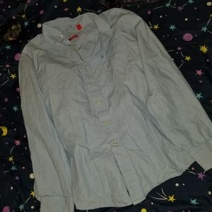 Awesome ladies Izod button down shirt